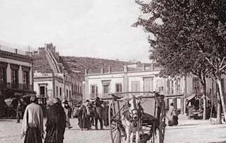 """Puerta de Purchena en el siglo XIX. En época árabe era conocida como """"Puerta de Pechina"""" ya que unía Almería (Almeriya) con el pueblo de Pechina (Bayyana)"""