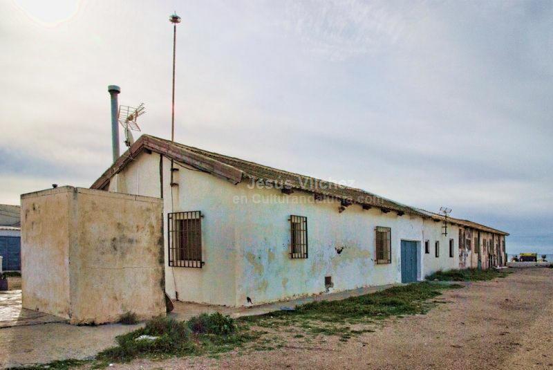 El barrio de las salinas de cabo de gata almer a for Casas viejas remodeladas