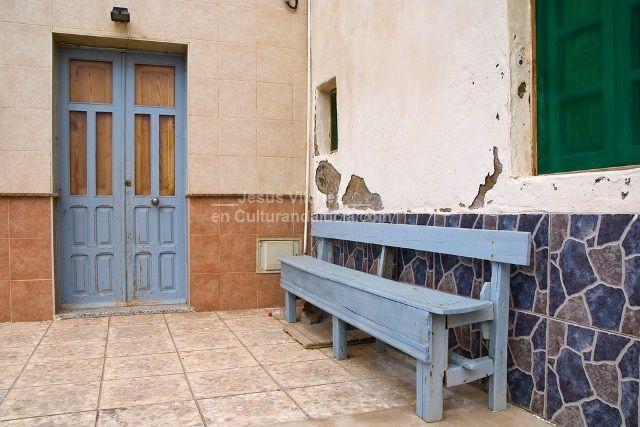 El barrio de las salinas de cabo de gata almer a - Fachadas con azulejo ...