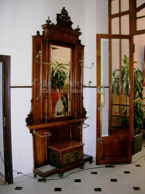 Perchero recibidor antiguo espejo perchero recibidor x for Mueble perchero recibidor